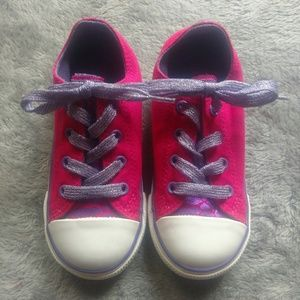 36faf1099f8c NWOT Girls Converse Chuck Taylor Sneakers